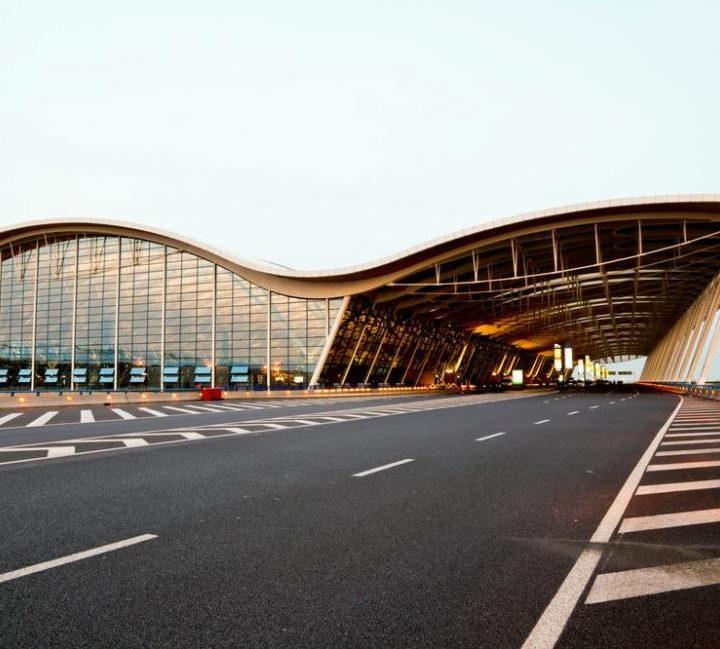 上海機場接送為客人提供周到貼心的服務