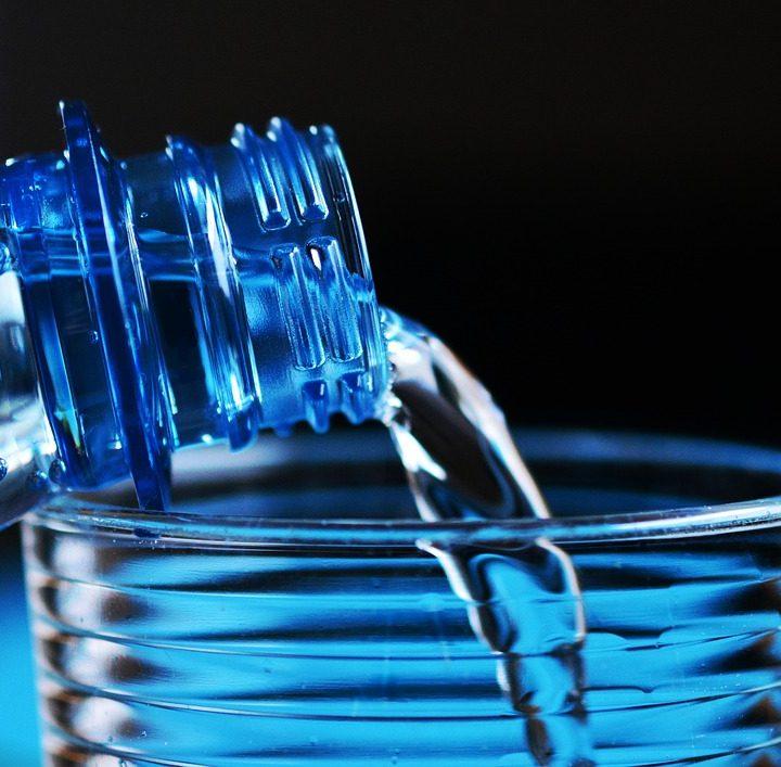 膠樽回收有利於環保 回樽有賞提高積極性